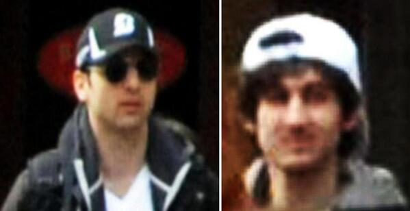 These are new closeups of the Marathon bombing suspects provided by the FBI. b.globe.com/15qBlcx pic.twitter.com/i9SxdFa5AY