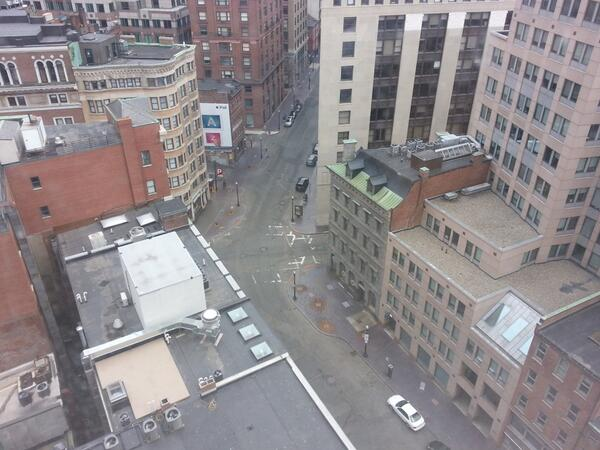 Streets are nearly empty in #downtown #Boston. http://pic.twitter.com/1SO6aTUwoi