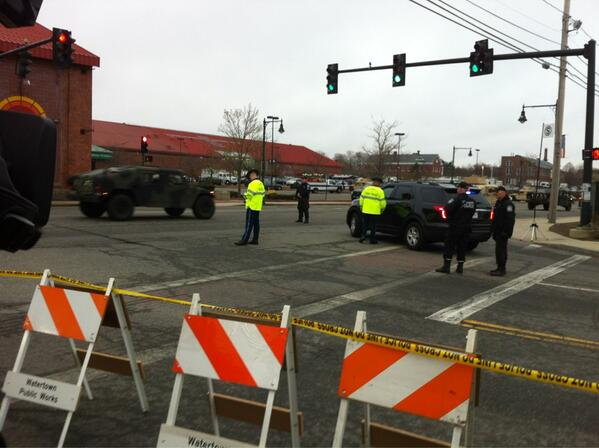 Almost 20 military police Humvees just pulled into Marshall's parking lot on Arsenal St in Watertown. #WCVB http://t.co/lEBfw7DJ1i