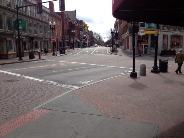 This is Harvard Square at 2 pm. Never has it been so empty and quiet! http://pic.twitter.com/AvTodrIvXc