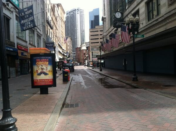Downtown Crossing 10:30 am http://pic.twitter.com/9aGvnmuhOH
