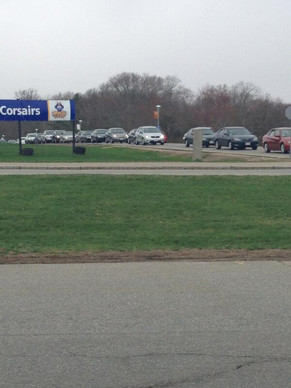 Cars are lined up in UMass Dartmouth ring trying to exit. pic.twitter.com/0haDDXKjL2