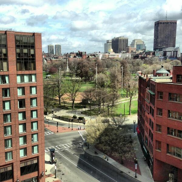 Beautiful spring day and no one is out there... #Boston #manhunt #BostonBombing http://pic.twitter.com/Ev8ESIYfMJ
