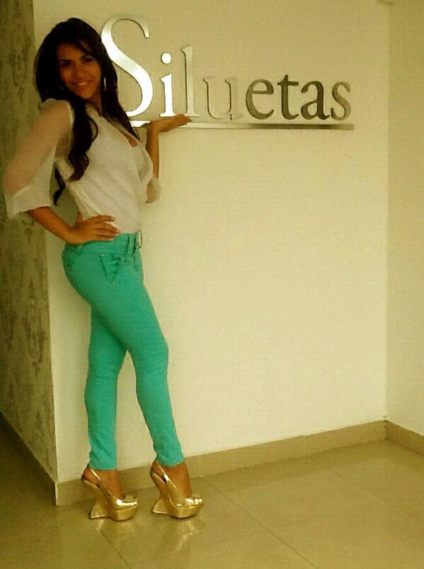 Gladys Brandao  - SiluetasP: C twitter @gladysbrandao