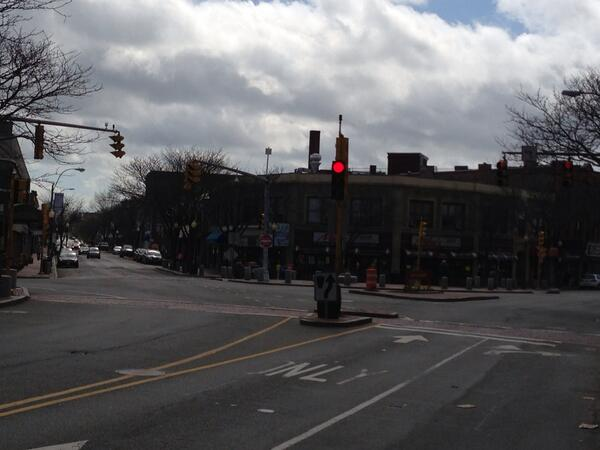 Unusually empty Davis Square. pic.twitter.com/7VKfmWQqsI