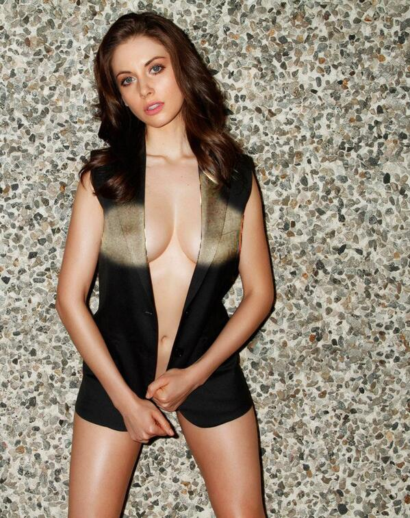 the xray guy on twitter alison brie see through nips