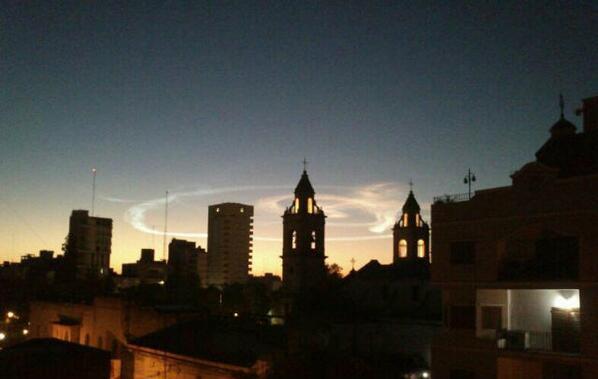 La caída de un #Meteorito interrumpió el profundo sueño santiagueño. Fue a las 3.20, el cielo se puso de día pic.twitter.com/iJVpYQuw98