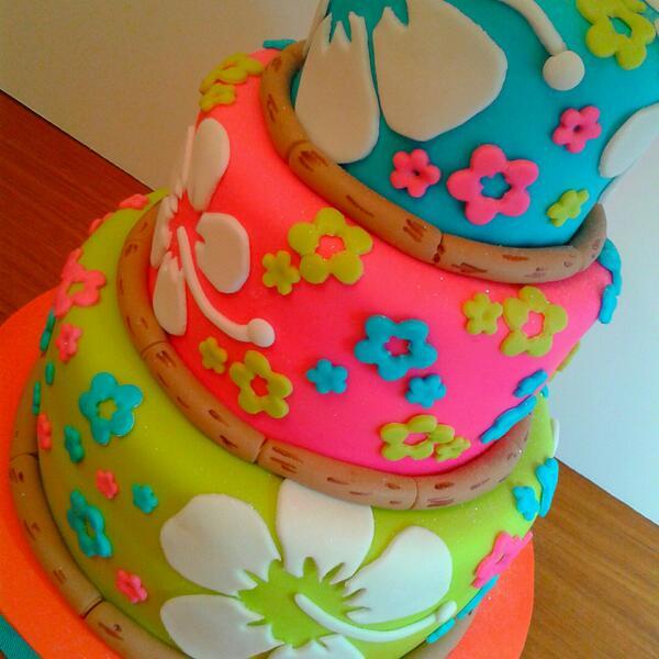 Decoracion Quincea?eras Hawaiano ~ Twitter  sweetmariale Torta estilo hawaiana especial