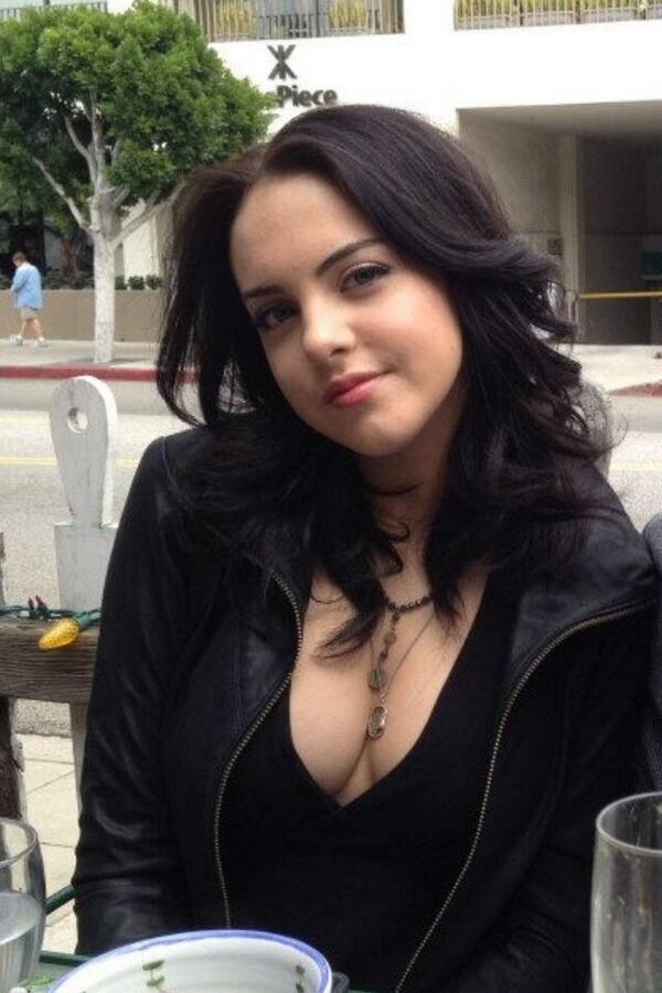 elizabeth gillies tits