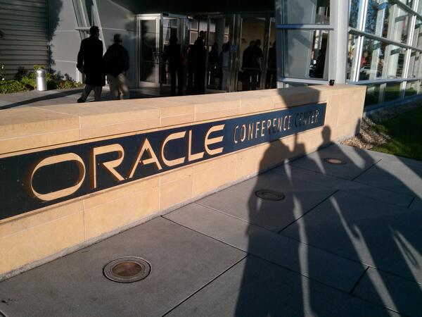Getting the day started in Redwood Shores for Oracle Analyst Days. #oracle_ar pic.twitter.com/TZxtXnMsgZ