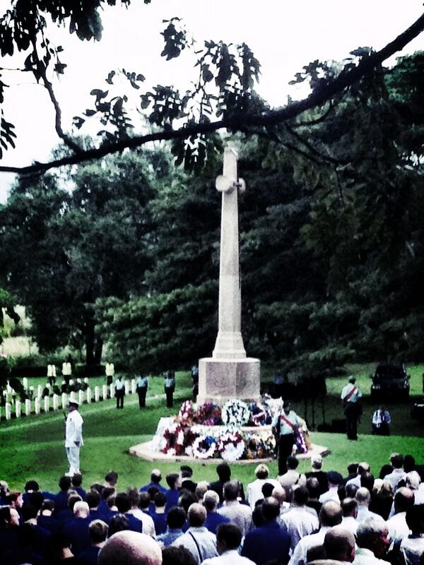 ANZAC Day at Bomana War Cemetery in Port Moresby this morning #abcanzac #png pic.twitter.com/XbIJO0YfGt