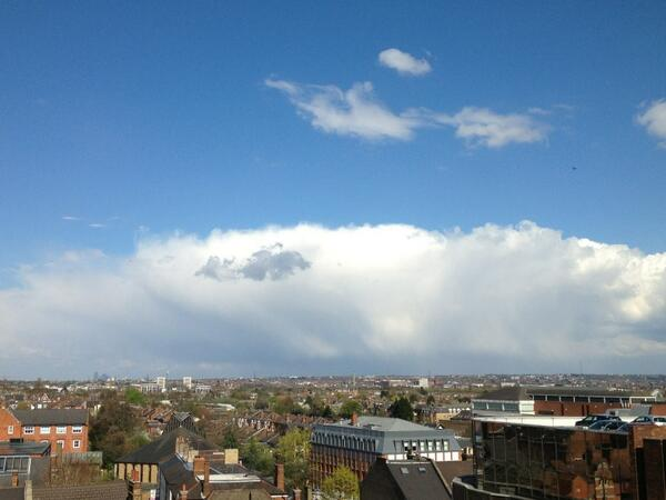 A grand cumulonimbus capillatus incus over South London