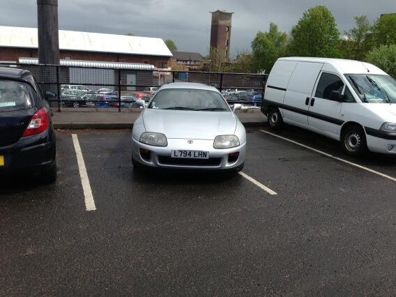 L794 LHN displaying crap parking