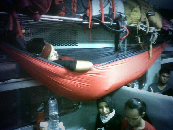 tentang-hammock--hammock-ing