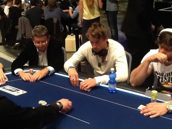 Вся норвежская страна делу покера верна! - Страница 6 BJ1CiBjCAAAqrAj