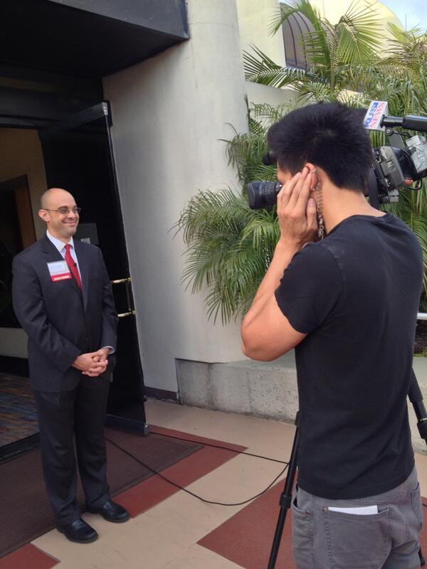 #Goldens | Our president & CEO @fmonroig talking live with @KUSI_News: pic.twitter.com/ebUQJyVz6r