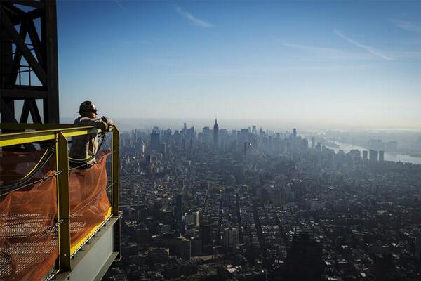 Amazing view from the top of One WTC - photo by @Lucas_Jackson_ pic.twitter.com/YoGsLYrBGI