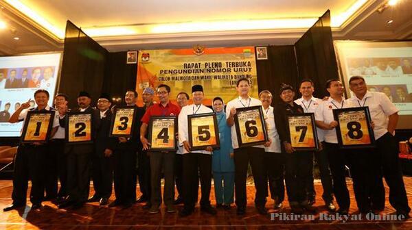 Calon Walikota Bandung 2013-2018: 1,2,3,4,5,6,7,8 . Choose 4 better Bandung. #CintaBDG pic.twitter.com/8WgqAKIvWZ