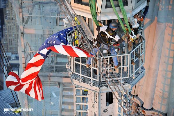 Ironworkers courageously guide spire sections 17 and 18 into place to complete  the installation. pic.twitter.com/EwAWwcNo0h