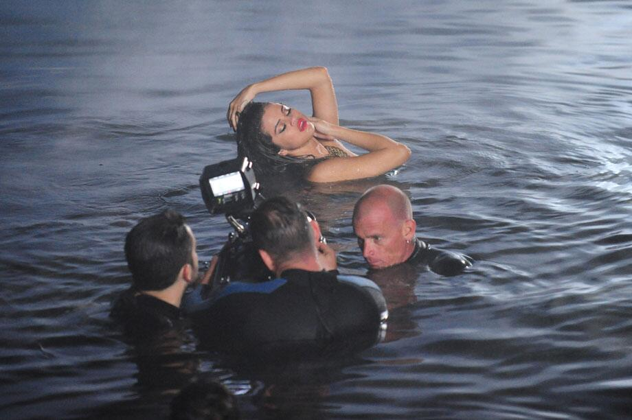 Twitter / selenagomez: Music video for Come and Get ...