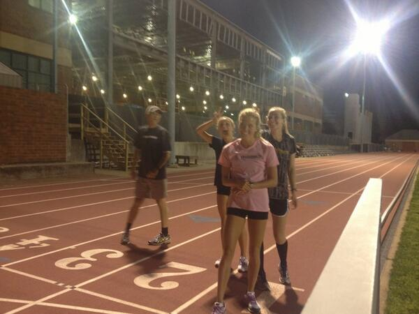 "GO DORES! ""@vandyxctrack: Fun times for the 10k ladies in an evening track workout pic.twitter.com/DPcmt0GQH2"""