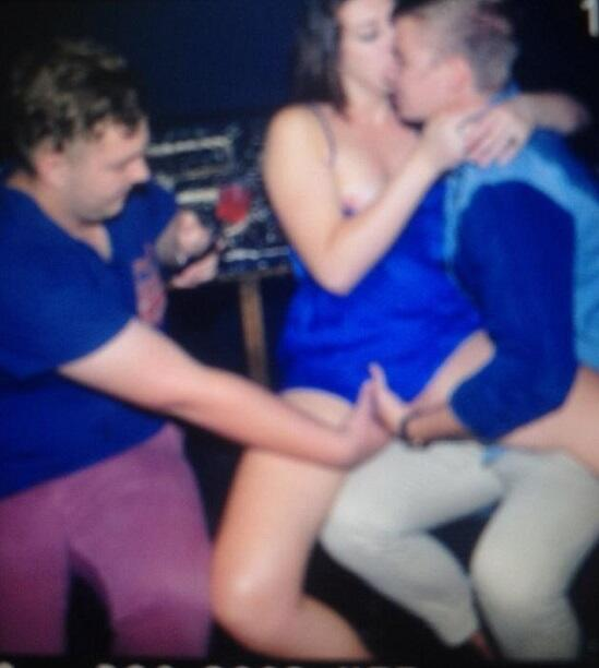 Girl fingered in club — photo 14