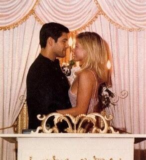 Kelly Rippa Casandose