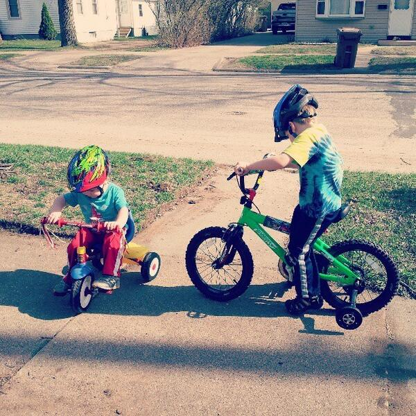 Riding bikes together #preludetosummer <br>http://pic.twitter.com/ss8uLXunvG