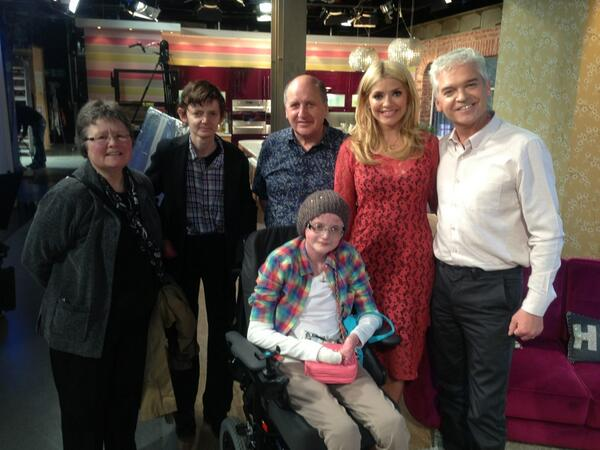 Thanks to @Sharontweet for a tour of the This Morning studio. @the_speakmans were there and everything! http://t.co/ih2Ef64u6L