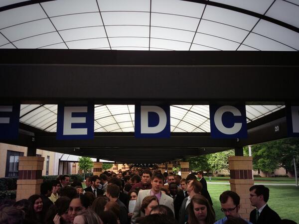 Lot o people #bjugrad pic.twitter.com/CObZdQVLAC