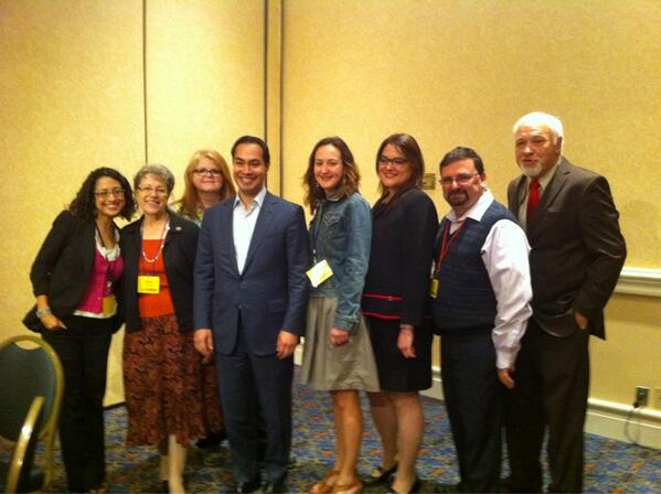 Our SPJ board with @juliancastro at #spj8 conference. pic.twitter.com/vhn4R2Zkb4
