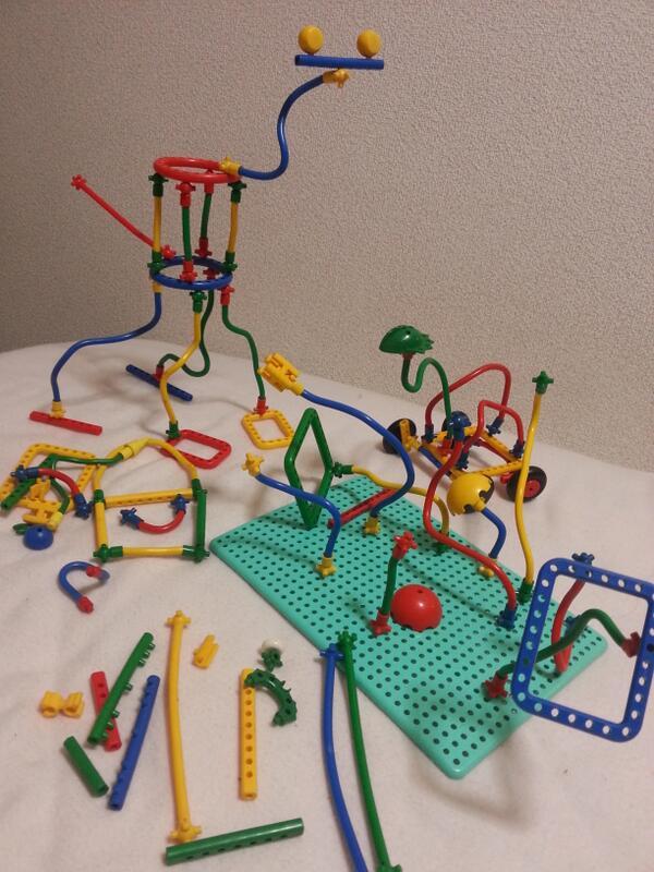 こどもの頃に遊んだおもちゃ整理。見納め。 http://t.co/ERrrhfGHvK
