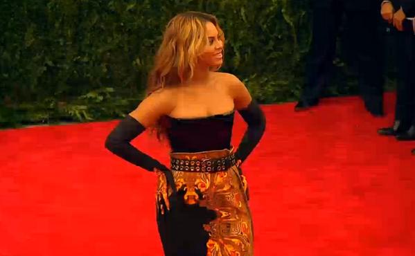News sobre Beyoncé [V] BJn0mAECAAAdXPO