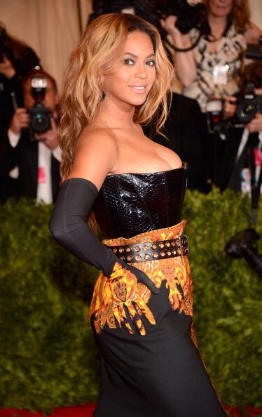 News sobre Beyoncé [V] BJn8GOACEAAlh4A