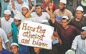 @MoAnsar Imbeciles side with this http://pic.twitter.com/vlpzspR9TG