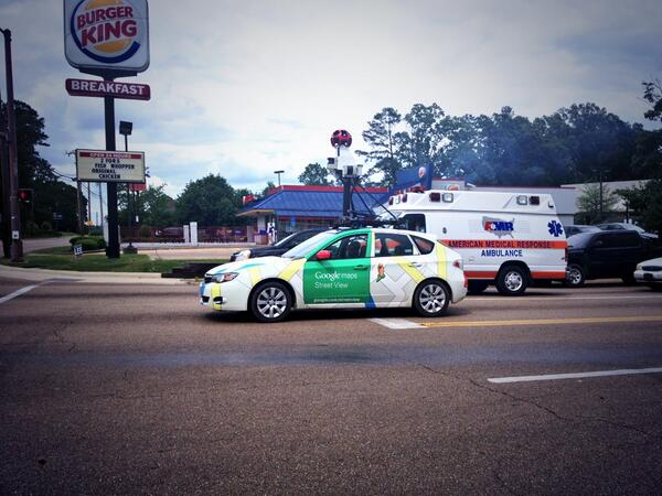Google streets car! Maybe we'll make it on google maps. Awesome. #wheresjonathannow #nowtheworldwillknow pic.twitter.com/t0itZOZJOw