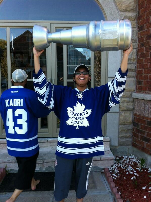 @TorontoStar #starleafs ready.. Lets get this party started. Go leaf go. pic.twitter.com/jUsXFRpcYu