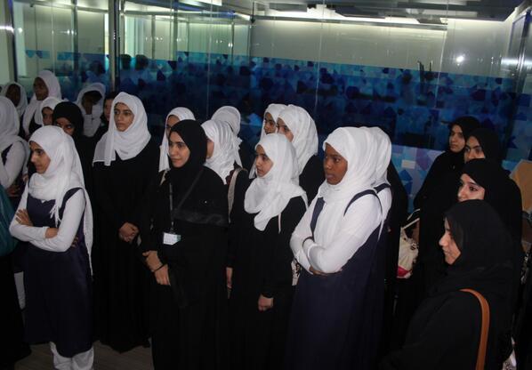 تأتي الزيارة مع إقبال الفتيات العمانيات لدراسة التخصصات المتصلة بالتقنية والمشاركة لتطوير صناعة تكنولوجيا المعلومات pic.twitter.com/C0NngxsTT3
