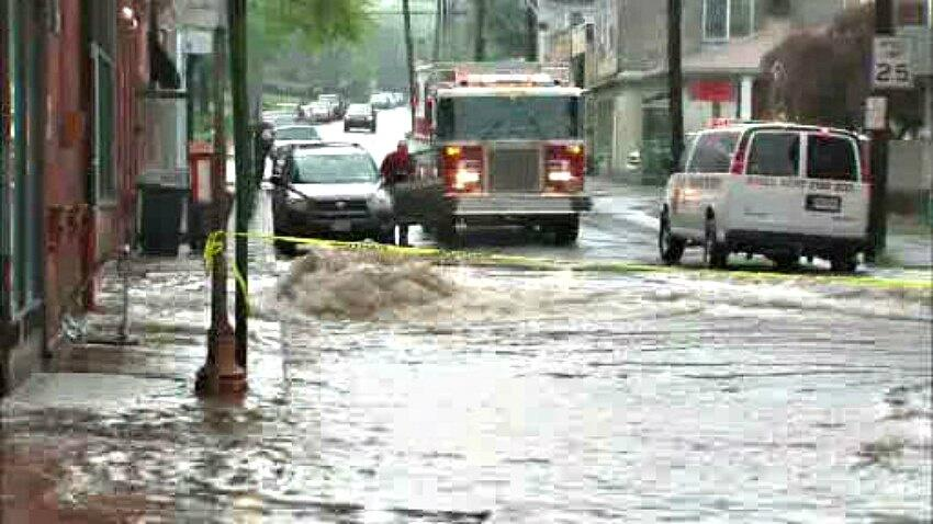 Photo: Excessive rainfall causing flooding in streets of Nyack, New York northeast of Manhattan - @eyewitnessnyc via @stormchaser4850