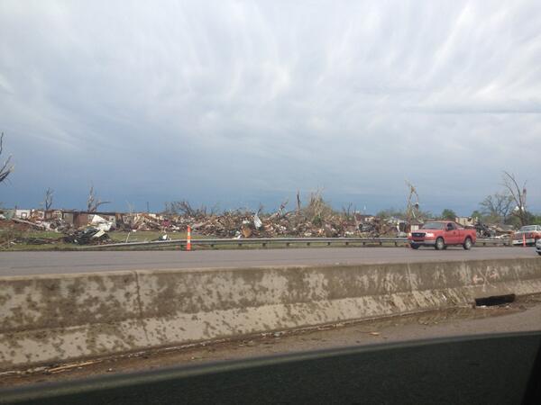 Devastation in Moore, Ok. #tornado @joshgleslie @johnnywleslie pic.twitter.com/o24A6V7smt