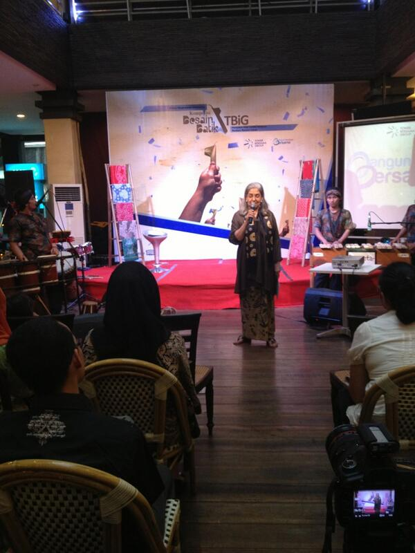 Sambutan kedua dari ketua dewan juri Lomba Desain #BatikTBiG Ibu Asmoro Damais
