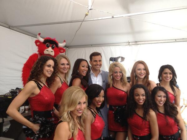 @billrancic meets the LuvaBulls #TodayinChicago pic.twitter.com/OIwu0pDX2E