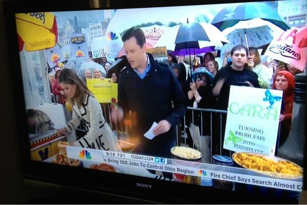 @ChristieEwing2 and my big @todayshow debut this morning! (hint: right above @NMoralesNBC head) #TODAYinChicago pic.twitter.com/v5FqSU9tvj