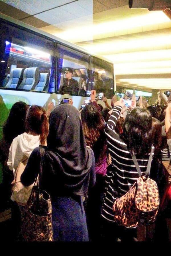 M.I.B in SG... 싱가포르!!! http://t.co/zyGRYbc5Ww