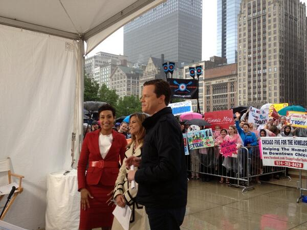 Desiree Rogers speaks to @NMoralesNBC & @WillieGeist #TodayinChicago pic.twitter.com/8QwFpB70hX