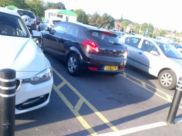 LC11 LTY displaying Inconsiderate Parking