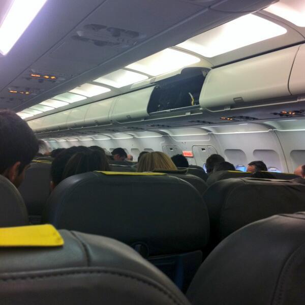 @thinkcommons @quepo_org #thinkcommons más que unirse hay que sincronizarse!!! Último twit desde el avión :) pic.twitter.com/XZlacXMS0Q
