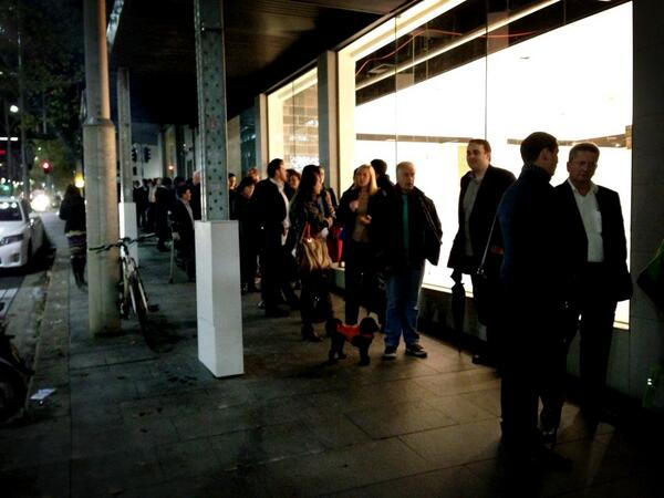 "Nice! Well done @aduong89 + hub-syd team ""@SonjaKallstrom: #hubsydney line to get into the launch event, well done pic.twitter.com/tpa0SAMG0F"""