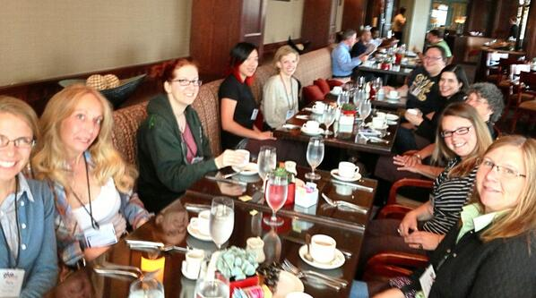 At breakfast with the brilliant ladies of #gluecon! pic.twitter.com/gitim8TCrj