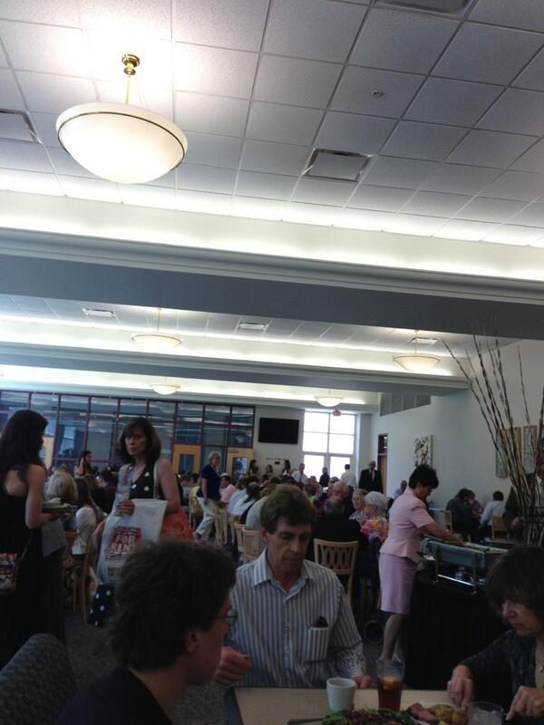 #SU2013 #BeSouthwestern #graduationlunch @SouthwesternU pic.twitter.com/eEQH4GvJ82